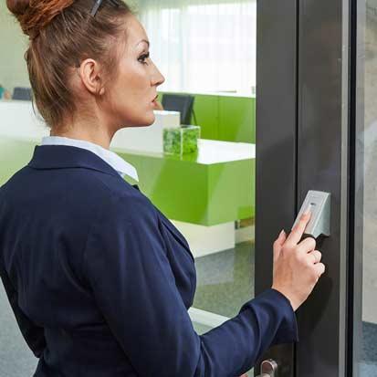 ekey Mehrfach-Zutrittslösungen installiert durch Beckhäuser Elektrotechnik